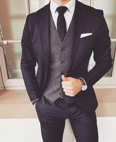 men suits classy - CLICK Visit link to see more - Men's style, accessories, mens fashion trends 2020 Mens Fashion Blazer, Suit Fashion, Fashion 2018, Fashion Photo, Traje Slim, Mode Man, Moda Formal, Style Masculin, Latest Mens Fashion