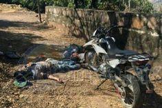 La tarde de este martes fueron encontrados, junto a una motocicleta, los cuerpos de tres hombres ejecutados en una brecha del municipio de Gabriel Zamora – Gabriel Zamora, Michoacán, 12 ...
