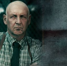 Art Niullen played by Nick Searcy ( He's the boss man )