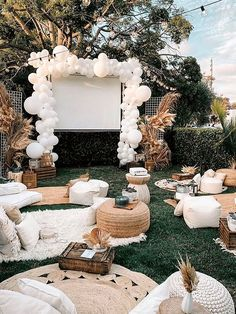 Backyard Movie Nights, Outdoor Movie Nights, Backyard Parties, Outdoor Movie Party, Outdoor Dinner Parties, Outdoor Graduation Parties, Backyard Party Decorations, Backyard Bridal Showers, Backyard Camping