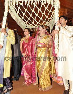 Saree Blouse Patterns: Upasana in Tarun Tahiliani Wedding Saree