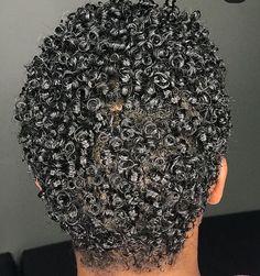 New hair straight styles curly girl Ideas Black Curly Hair, Curly Hair Care, Short Curly Hair, Curly Girl, Curly Hair Styles, Natural Hair Styles, College Hairstyles, Trendy Hairstyles, Straight Hairstyles