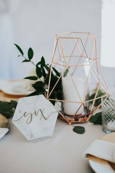 Minimalist decor perfectly complemented this outdoor wedding. Read more › Minimalist decor perfectly complemented this outdoor wedding. Read more › Modern Minimalist Wedding, Minimalist Home Decor, Minimalist Bedroom, Minimalist Living, Floral Centerpieces, Wedding Centerpieces, Wedding Table, Wedding Ideas, Wedding Themes