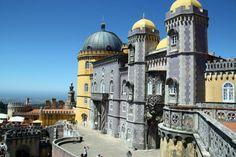 6 razones para visitar Costa Estoril y alrededores en tu viaje turístico a Lisboa - via @GuiasViajar 27.06.2012 #Portugal Foto: Palacio da Pena en Costa Estoril en los alrededores de Lisboa