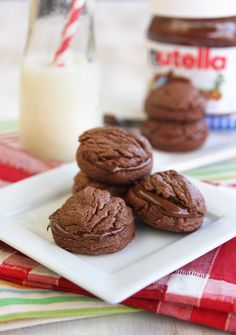Nutella Sandwich Cookies with only FOUR ingredients!