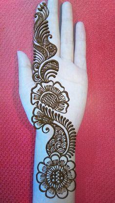 Circle Mehndi Designs, Very Simple Mehndi Designs, Mehndi Designs Front Hand, Mehndi Designs For Kids, Henna Tattoo Designs Simple, Latest Bridal Mehndi Designs, Mehndi Designs Book, Mehndi Designs For Beginners, Mehndi Designs For Fingers