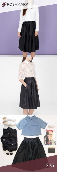 """The Whitepepper Pleates Leather Midi Skirt The Whitepepper pleated leather midi skirt. Deadstock. Over-the-knee length, waist 24""""-25"""". Has side pockets and back zipper. Pair it with crop top or leather jacket for the perfect punk girl fall outfit! #whitepepper #leather #midiskirt #punk the whitepepper Skirts Midi"""