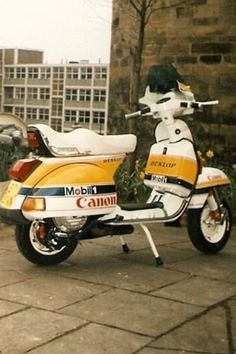 Always wanted a done like this. Top of my bucket list ❤️ Vespa Px, Lambretta Scooter, Vespa Scooters, Scooter Garage, Sport Seats, Vintage Art, Bucket, Motorcycle, Classic