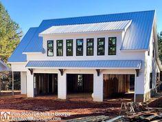 Garage Apartment Plans, Garage Apartments, 3 Bedroom Garage Apartment, Carriage House Garage, Garage Guest House, Porch Over Garage, Garage Roof, Garage Exterior, Small Garage