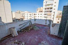 Avenidas, Palma de Mallorca: To renovate: Apartment with terrace in Palmas city center