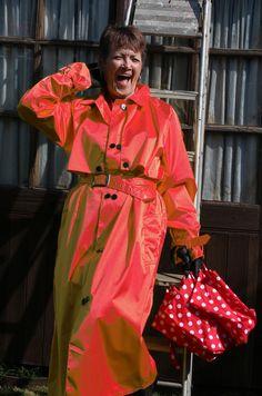 Rubber Raincoats, Rain Wear, Trench, Satin, Clothing, How To Wear, Fashion, Raincoat, Jackets