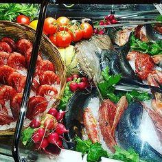 Food Diary, Malaga, Japanese Food, Fish Recipes, Salmon, Seafood, Vegetables, Juice, Sea Food