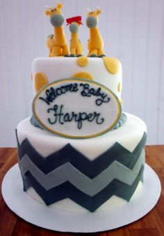 Yellow and gray giraffe baby shower cake, this is super cute just change colors up...@Stephanie Close Close Debord
