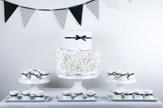 Black and white party styled by Piccoli Elfi www.piccolielfi.it