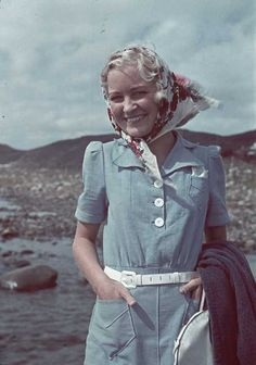 vintage photo 1940s blue dress