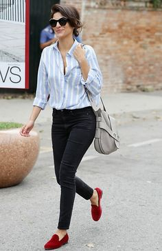 10 Fresh Ways to Wear Skinny Jeans This Fall Red Shoes Outfit, Loafers Outfit, Outfits With Red Shoes, Casual Work Outfits, Fall Outfits, Fashion Outfits, Womens Fashion, Jean Outfits, Fashion Tips