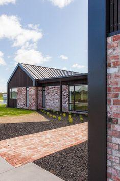 Earlier Show Homes - Hamilton - Urban Homes Modern Brick House, Modern House Design, Exterior House Colors, Exterior Design, Acerage Homes, Brick Ranch Houses, Barn House Plans, Shed Homes, Facade House