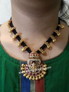 Fancy Jewellery, Gold Jewellery Design, Bead Jewellery, Beaded Jewelry, Pearl Necklace Designs, Jewelry Design Earrings, Gold Earrings Designs, Gold Mangalsutra Designs, Black Gold Jewelry
