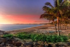 Come on over to our Beautiful Australia ----- The Strand, Townsville Queensland Australia Beautiful Sunset, Beautiful Places, Queensland Australia, Mother Nature, Sunrise, Earth, Island, World, Water