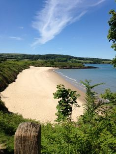 An empty Traeth Yr Ora. This is an incredible beach that's often overlooked by people visiting the area. You can't beat views like this!