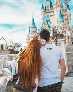 Disney World Fotos, Viaje A Disney World, Disney World Pictures, Cute Disney Pictures, Disneyland Couples, Disneyland Photos, Disney Couples, Tokyo Disneyland, Disneyland Photography
