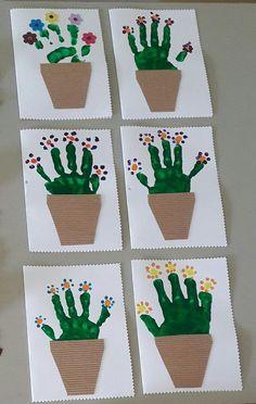 maternelle après avoir peint le fond bleu, les enfants ont collé les carrés et les rectangles pour former les maisons avant de coller les lettres de bonne année – Google Søgning
