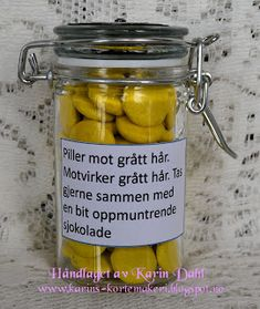 Karins-kortemakeri: Førstehjelpskoffert til mann på 40 Monogram Ring Dish, Soy Wax Flakes, Homemade Kids Gifts, Diy Air Dry Clay, Homemade Soy Candles, Tin Can Lanterns, Clay Bowl, Food Club, Gifted Kids