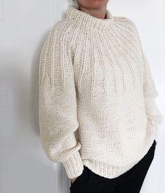 Sweater Knitting Patterns, Knitting Designs, Free Knitting, Baby Knitting, Cute Crochet, Knit Crochet, Crochet Triangle, Knitwear Fashion, Comfortable Fashion