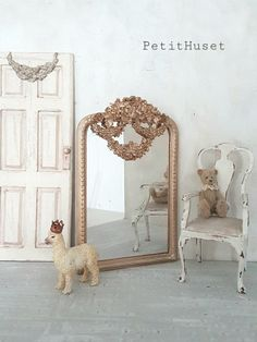 Doll Furniture, Dollhouse Furniture, Dollhouse Interiors, Boutique Deco, Dollhouse Accessories, Tiny Treasures, Nature Decor, Miniture Things, Bjd Dolls