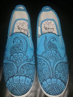 Flower doodles, Doodles and Sharpie shoes on Pinterest
