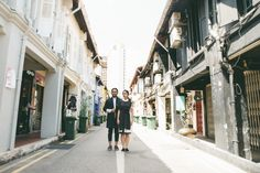 Casual themed engagement photoshoot | A Casual Contemporary Pre-Wedding Shoot In Singapore | http://www.bridestory.com/blog/a-casual-contemporary-pre-wedding-shoot-in-singapore