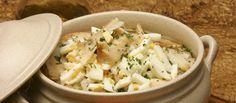 Açorda de bacalhau e ovos - Fique a conhecer todas as receitas tradicionais portuguesas em: www.asenhoradomonte.com