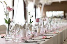 68 Beautiful Napkins Fold To Dress Up Your Table - EcstasyCoffee Wedding Cake Rustic, Wedding Table, Wedding Gifts, Pink Wedding Centerpieces, Wedding Decorations, Table Decorations, Backdrop Frame, Vintage Doors, Napkin Folding