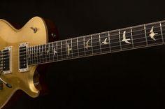News PRS sort une guitare recouverte de feuilles d'or - Audiofanzine