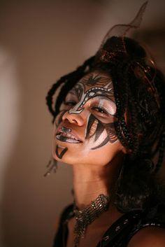 Baron Samedi halloween mask by Sugar-Bot on deviantART Maquillage Halloween, Halloween Face Makeup, Voodoo Makeup, Voodoo Costume, Tribal Face, Theatrical Makeup, Make Up Art, Face Painting Designs, Special Effects Makeup