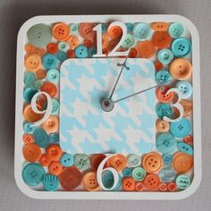 Button clock | DIY Stuff