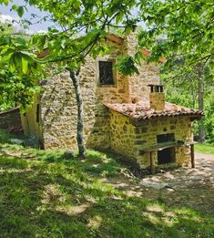 Cottage Set In Ancient Chestnut Grove - Castiglione di Garfagnana Lucca, Provence, Pergola, Cottage, Outdoor Structures, Cabin, Park, House Styles, Holiday