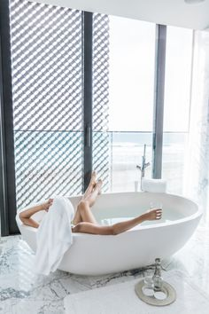 Turn Your Home Into A Spa With These Beauty Treatments - Read Younique, Bathtub Remodel, Cozy Place, Beach Scenes, Hotel Spa, Relax, Indoor, Bathroom, Blogger Lifestyle