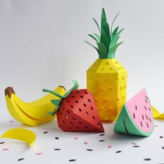 Paper Craft Supplies, Paper Crafts For Kids, Origami, Paper Gifts, Diy Paper, Pineapple Template, Banana Crafts, Deco Fruit, Pineapple Ornament