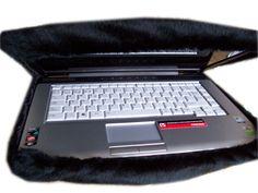 Funda laptop en peluche negro, se hacen a medida de tu compu