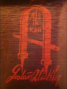 Gustav Stickley logo - 1900s American Arts & Crafts Furniture Design