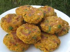 Butternut Squash and Chickpea Cakes Chickpea Cakes, Tasty, Yummy Food, Delicious Recipes, Spices And Herbs, Roasted Butternut Squash, Grubs, Light Recipes, Vegetarian