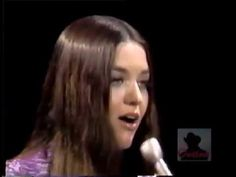 Crystal Gayle - If you could read my mind [http://stephenbhenry.com/]