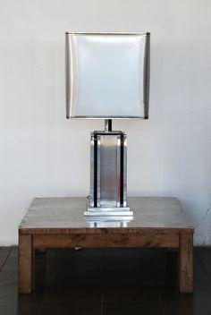 Lámpara años 70 de acero y madera.