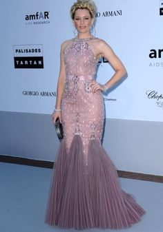 Elizabeth Banks - Atelier Versace dress  I wish I could wear this to prom