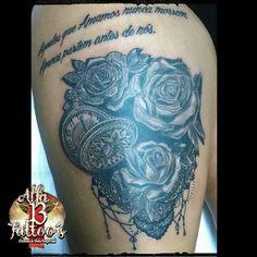 Relogio e rosas