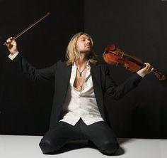 David Christian Bongartz (32, Garrett ist der Geburtsname seiner Mutter) stammt aus Aachen und bekam mit drei Jahren seine erste Geige.