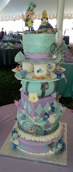 Alice in Wonderland Wedding Cakes | Alice in wonderland/steampunk theme wedding — Other / Mixed Shaped ...