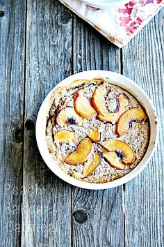 Baked oatmeal with Peaches - heathersfrenchpress.com #oatmeal #breakfast Peach Baked Oatmeal, Carrot Cake Oatmeal, Baked Oats, Eat Breakfast, Breakfast Recipes, Breakfast Ideas, School Breakfast, Breakfast Healthy, Healthy Breakfasts