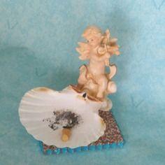 Cendrier, vide-poches, porte-savon, photophore, soucoupe ange violoniste En vente sur : http://www.alittlemarket.com/boutique/recup_creation-343513.html
